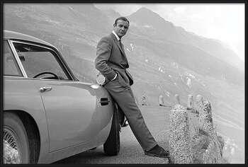 Pôster emoldurado James Bond - Connery & Aston Martin